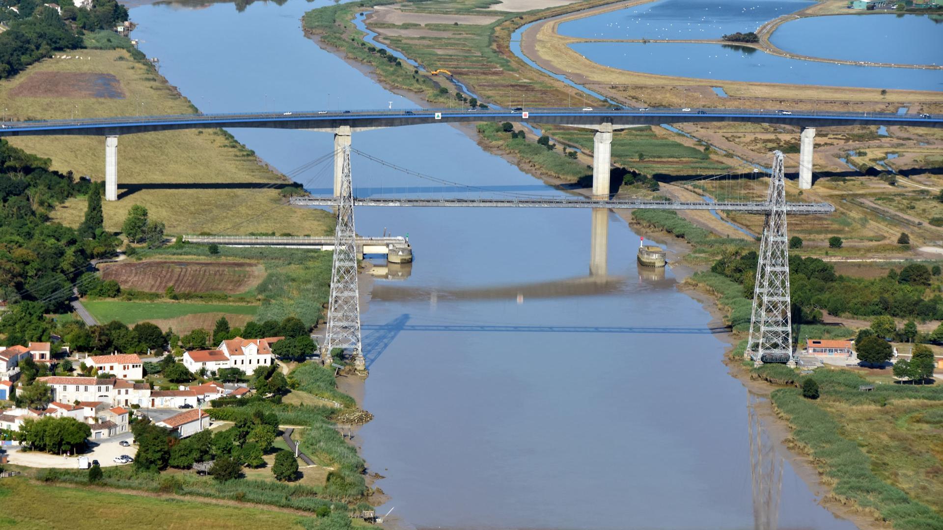 [Image: Rochefort-Pont-Transbordeur-et-Pont-de-Charente-2.jpg]