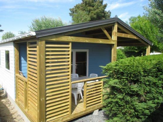 Chalet PMR 2ch avec terrasse bois couverte (Année 2017) : Camping ...