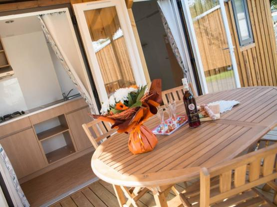 Mobil Home PIN 2 chambres + TV +Terrasse bois semi-couverte et salon ...