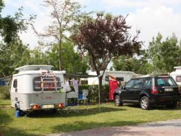 Package 2 pers., Pitch + 1 caravan or 1 tent + 1 car with  electricity