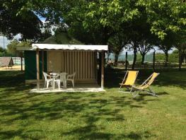 Canvas bungalow / arrived Sunday in July and August - 2 bedrooms - without sanitary